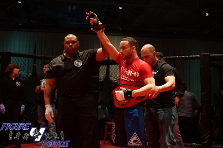 Joe Neal vs. Jose Perez (featherweight championship) - Rocktagon MMA-13
