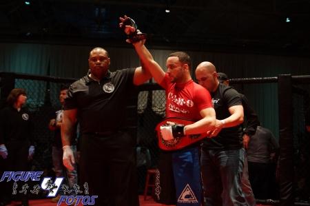Joe Neal vs. Jose Perez (featherweight championship) - Rocktagon MMA-13